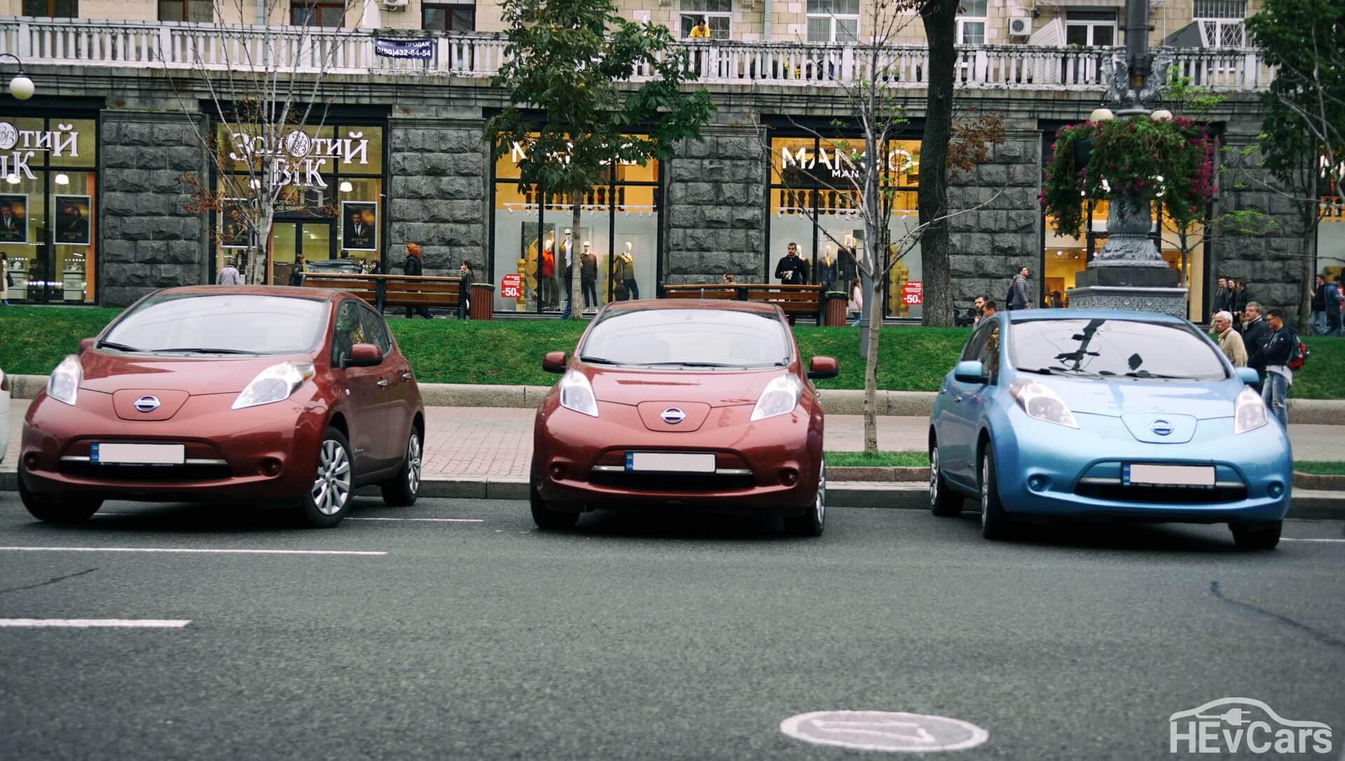 Nissan Leaf первого поколения в центре Киева
