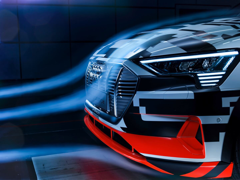 Управление воздушным потоком с помощью жалюзи в Audi e-tron Quattro