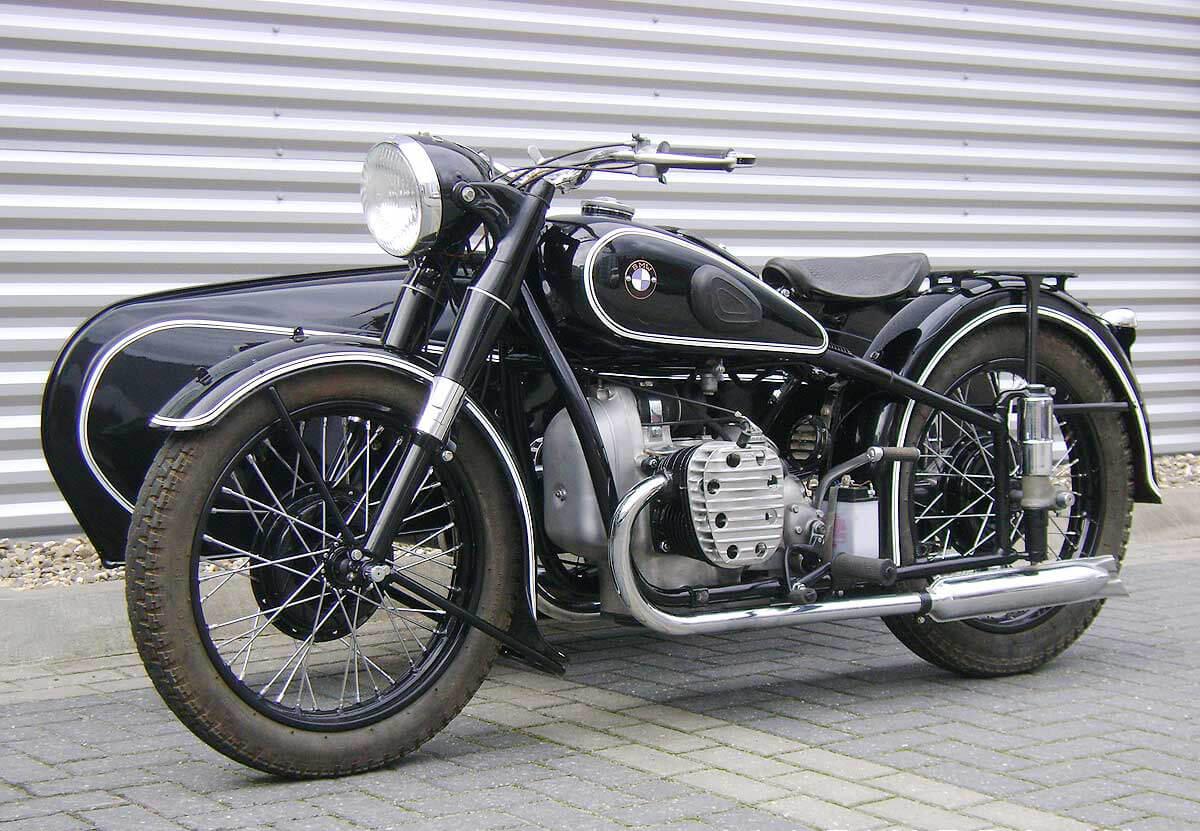 Мотоцикл BMW R71 1930 года сколяской