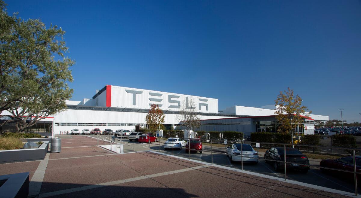 Фабрика Tesla во Фримонте