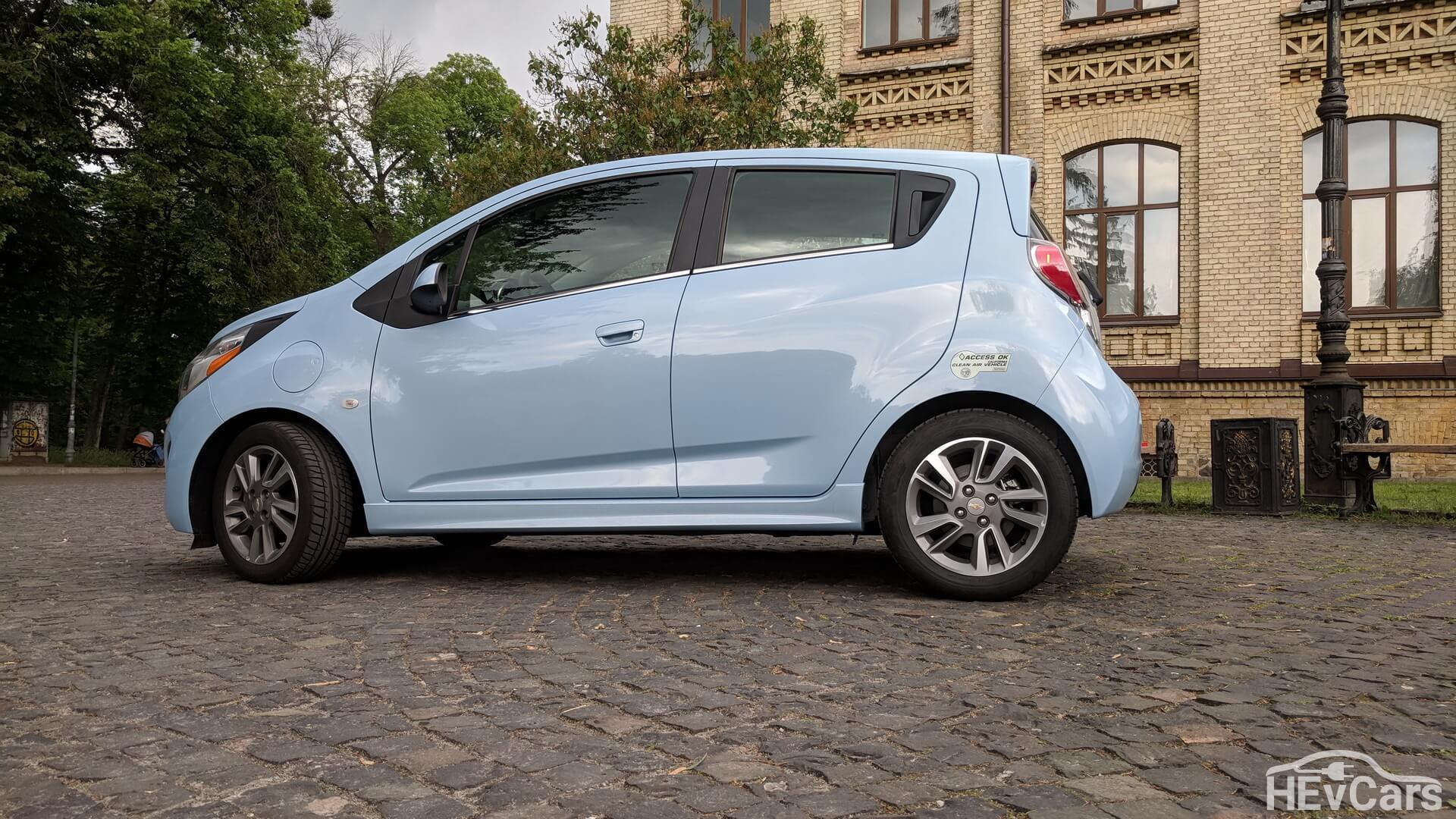 Электромобиль Chevrolet Spark EV — экстерьер фото 4