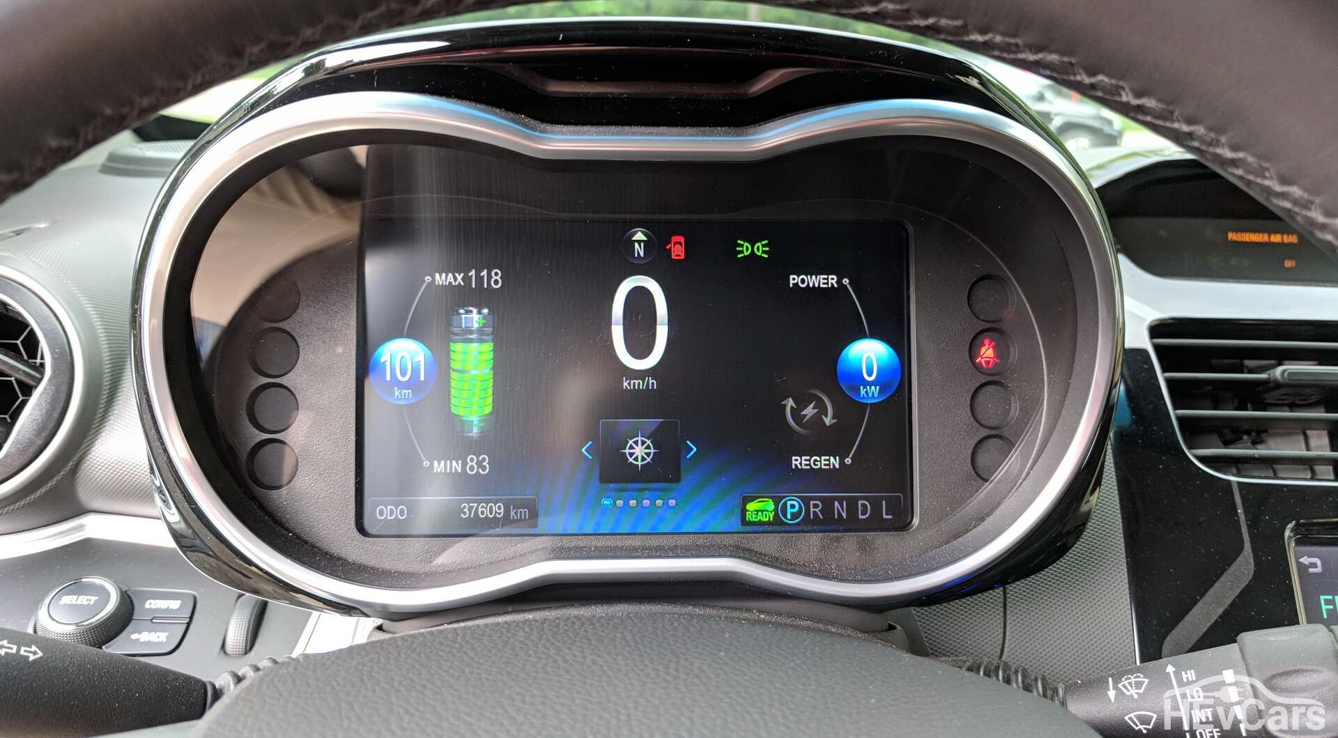 Цифровая приборная панель в Chevrolet Spark EV