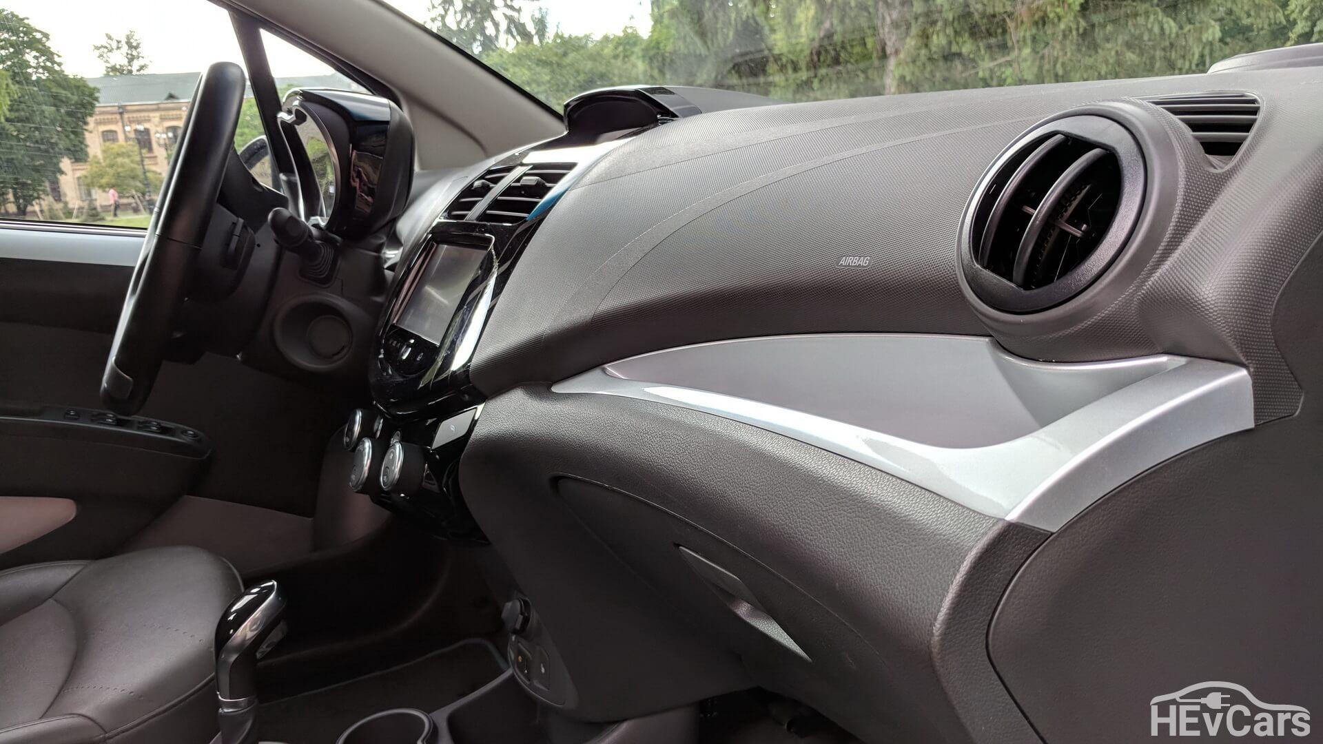Салон Chevrolet Spark EV