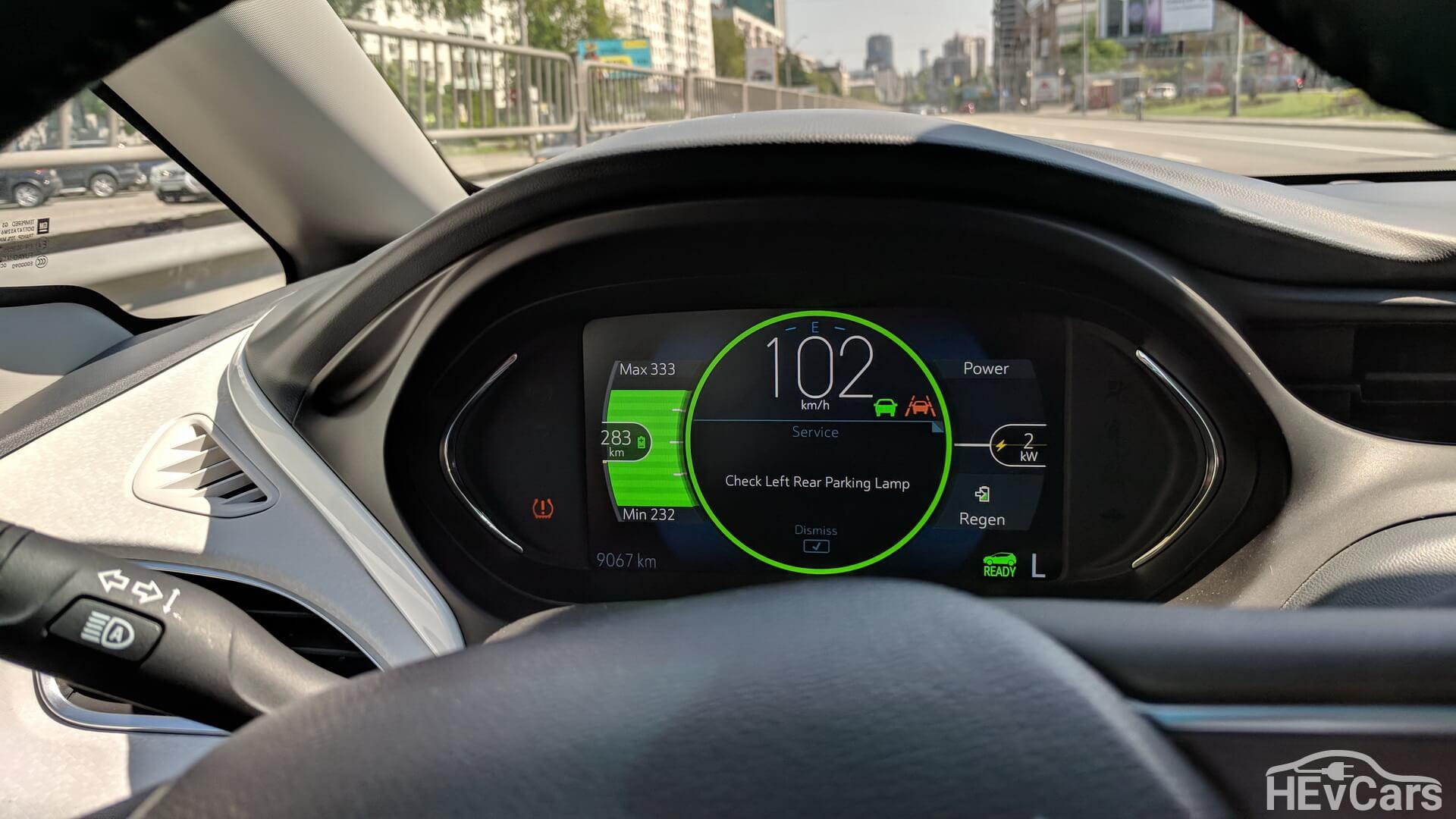Электронная приборная панель в Chevrolet Bolt (вид отображения можно выбрать)