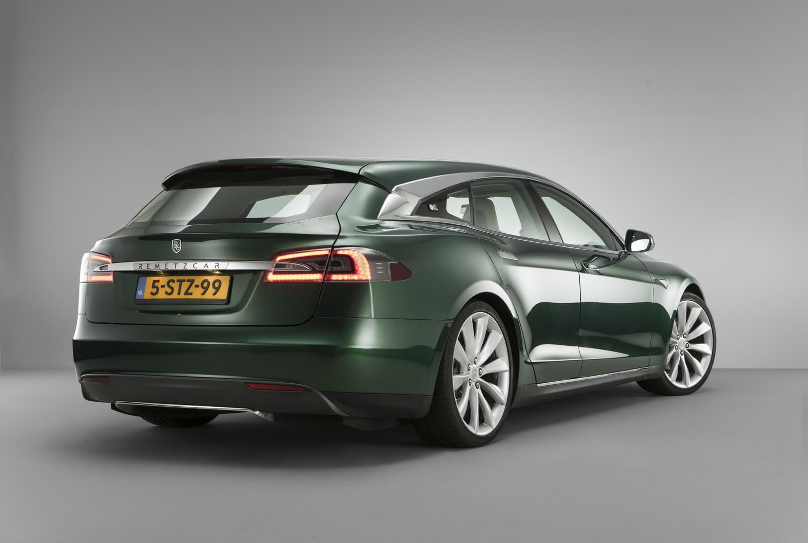 Универсал Tesla Model S — вид 1