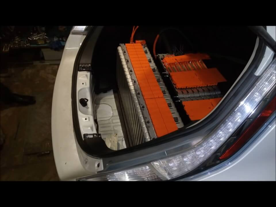 Модернизация электромобиля Nissan Leaf до двух батарей — 2