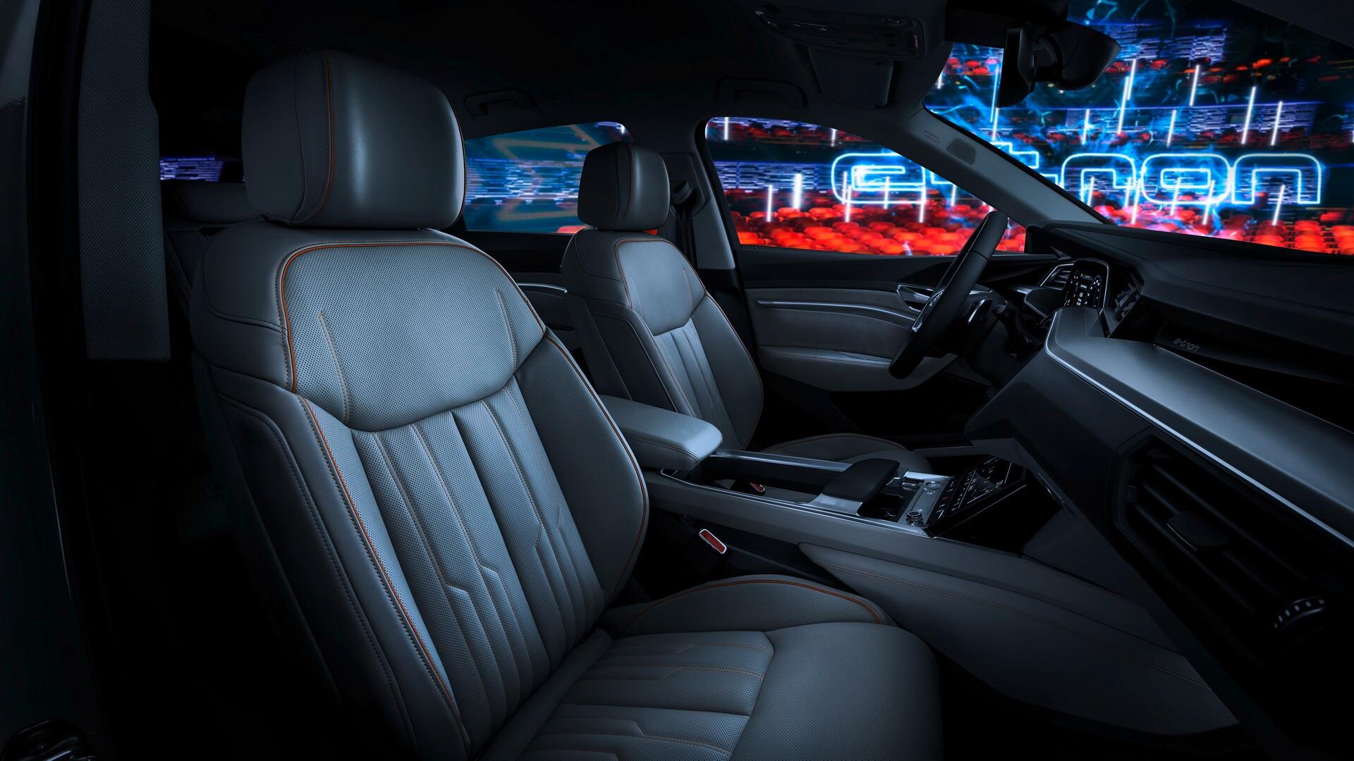 Интерьер Audi e-tron quattro