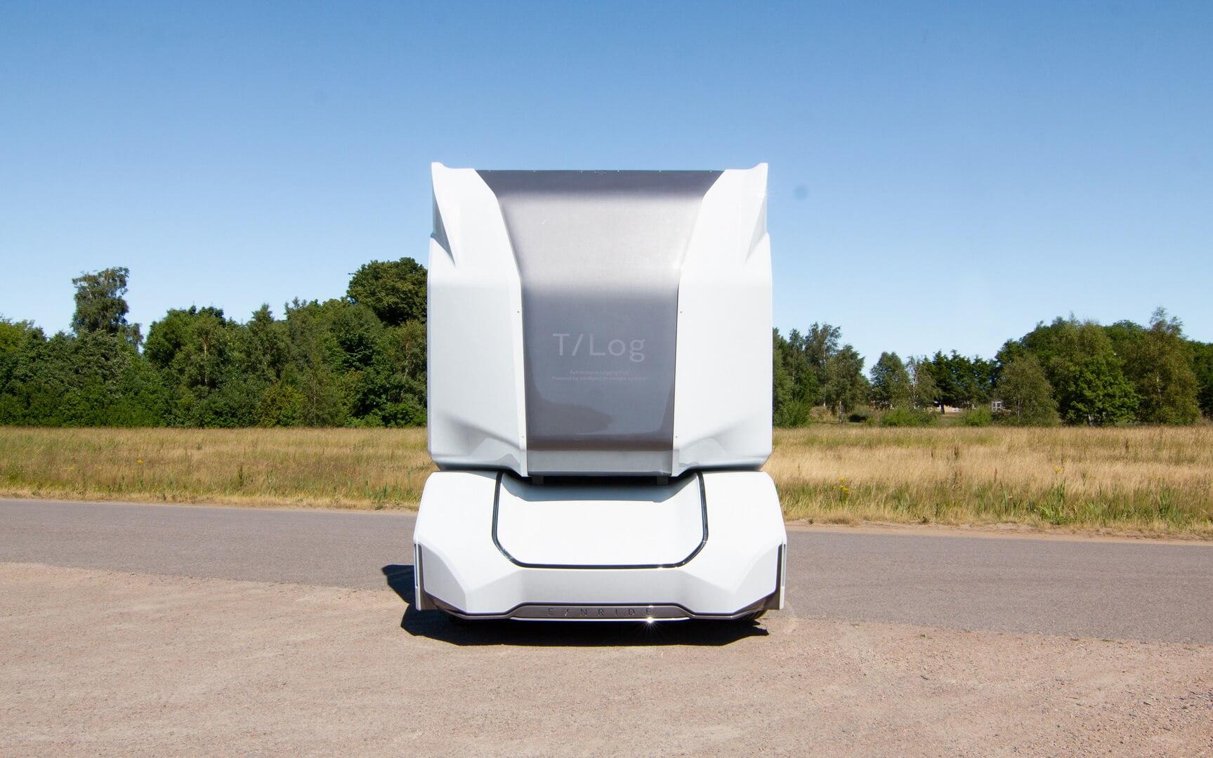 Полностью электрический автономный грузовик T/log — вид спереди