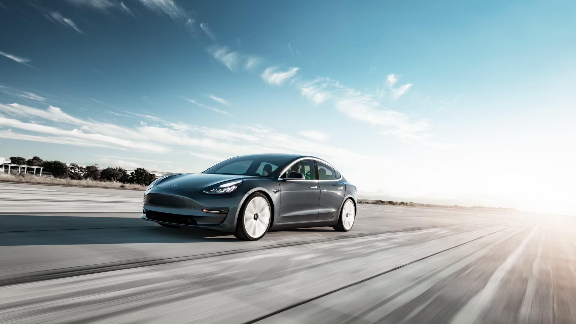 Фотография экоавто Tesla Model 3 Standard Range - фото 11