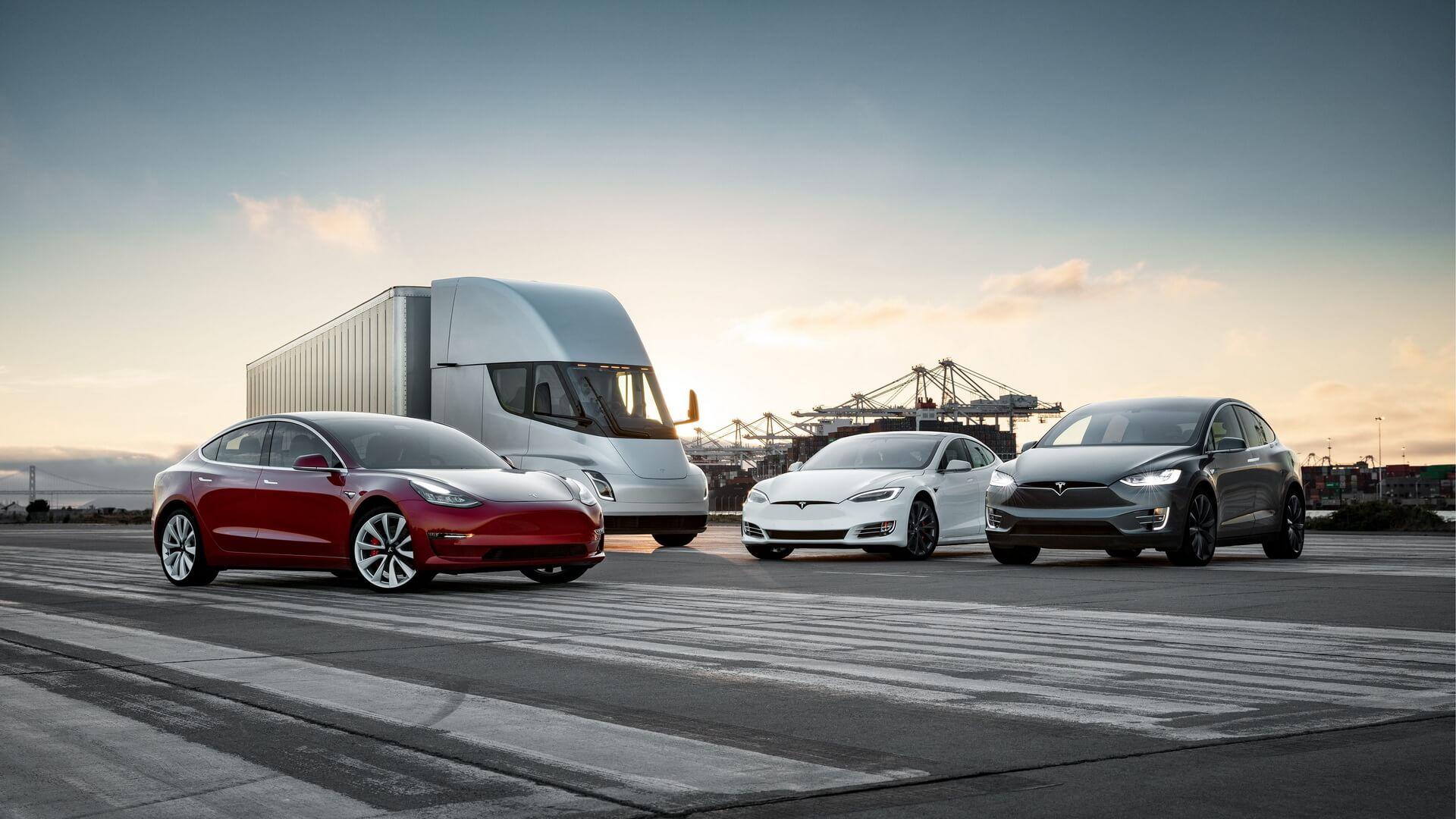 «Семейная фотография Tesla» под названием «SX3Semi-Family»