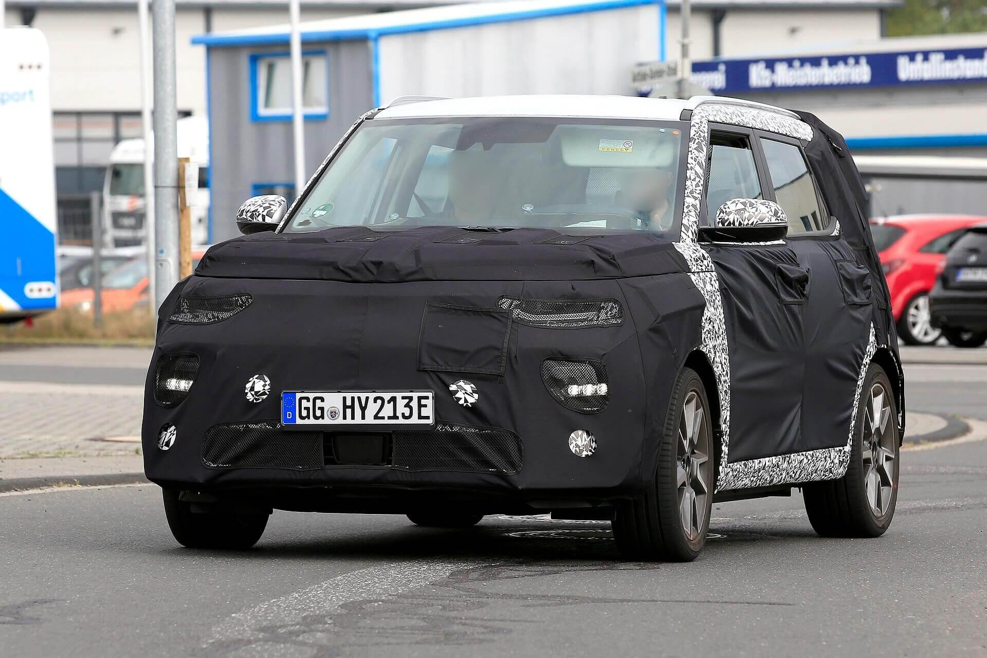 Шпионский снимок электромобиля Kia Soul EV 2019
