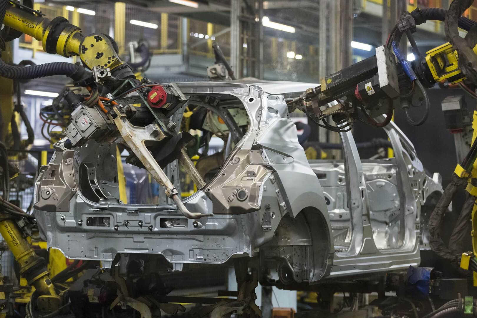 Сборка электромобиля Nissan Leaf