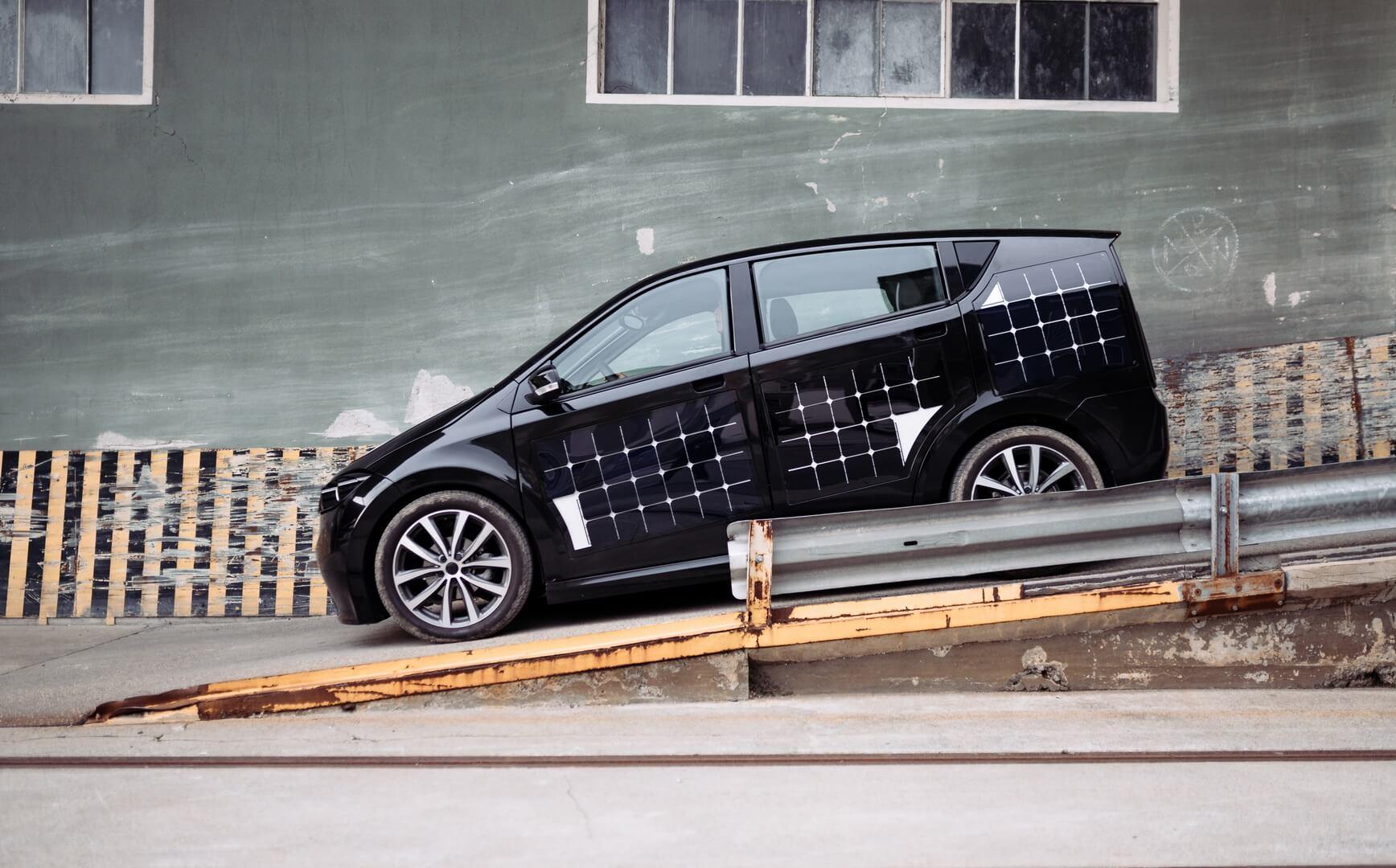 Автомобиль Sono Sion насолнечных батареях