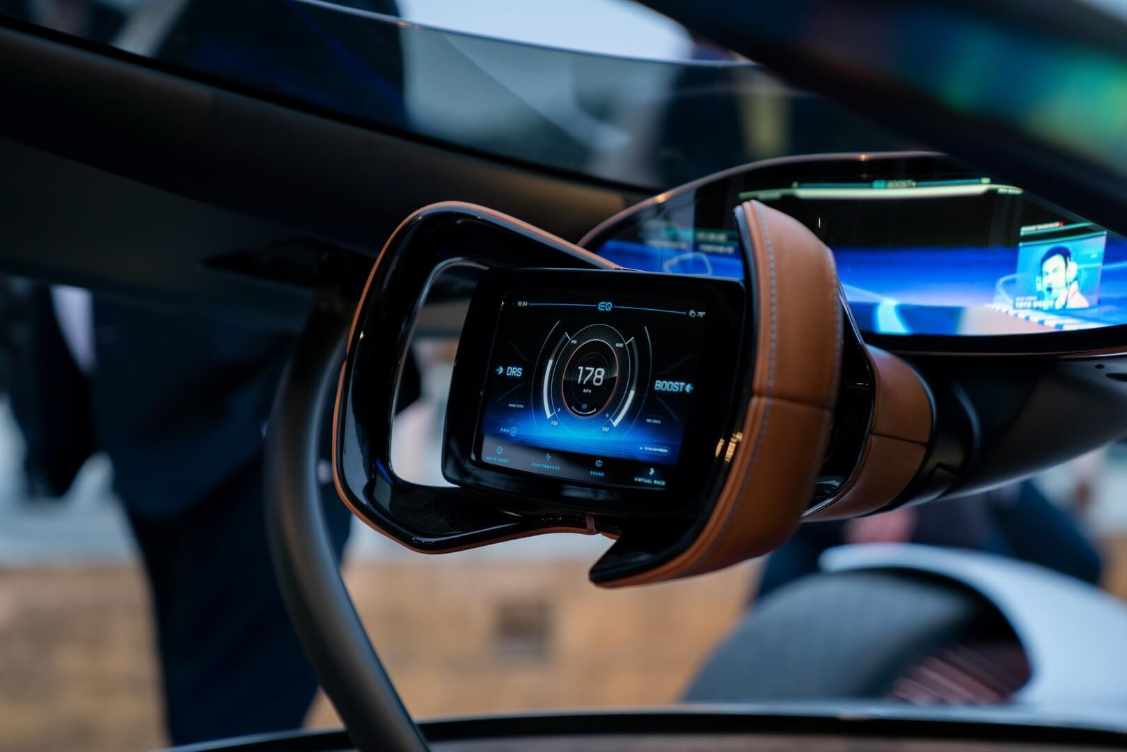 Мультимедийное рулевое колесо Vision EQSilver Arrow