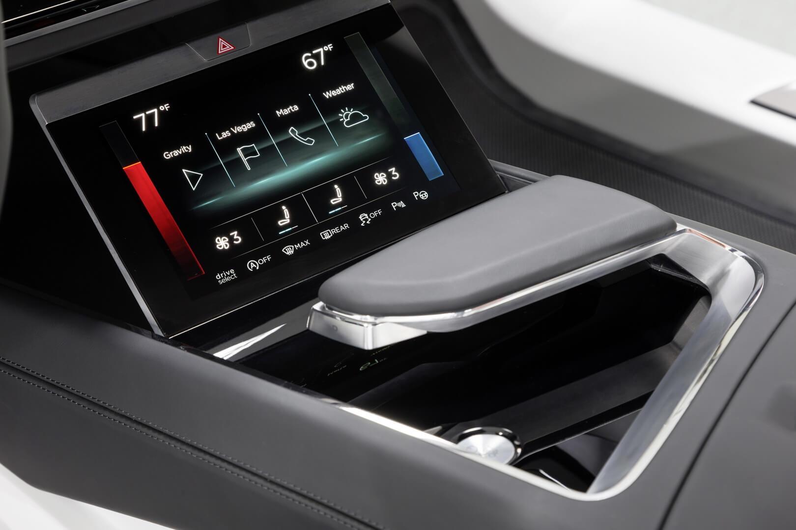 Центральный дисплей Audi e-tron quattro