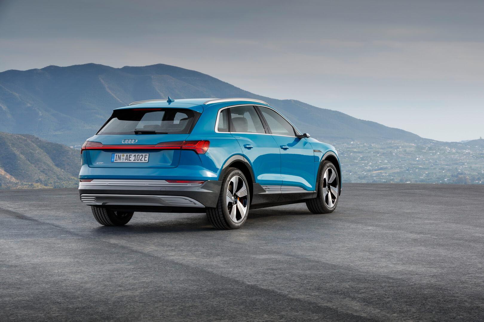 Фотография экоавто Audi e-tron 55 quattro - фото 11