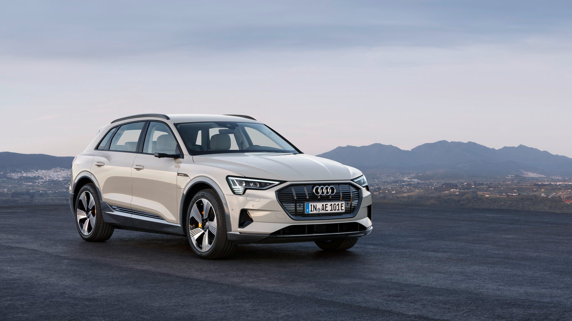 Фотография экоавто Audi e-tron 55 quattro - фото 4