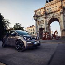 Фотография экоавто BMW i3 2019 (42.2 кВт•ч) - фото 11