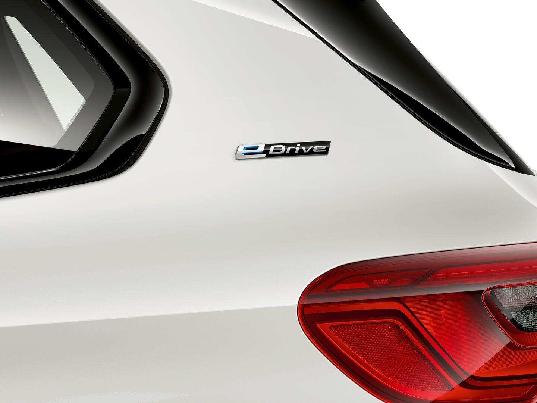 Фотография экоавто BMW X5 xDrive45e - фото 3