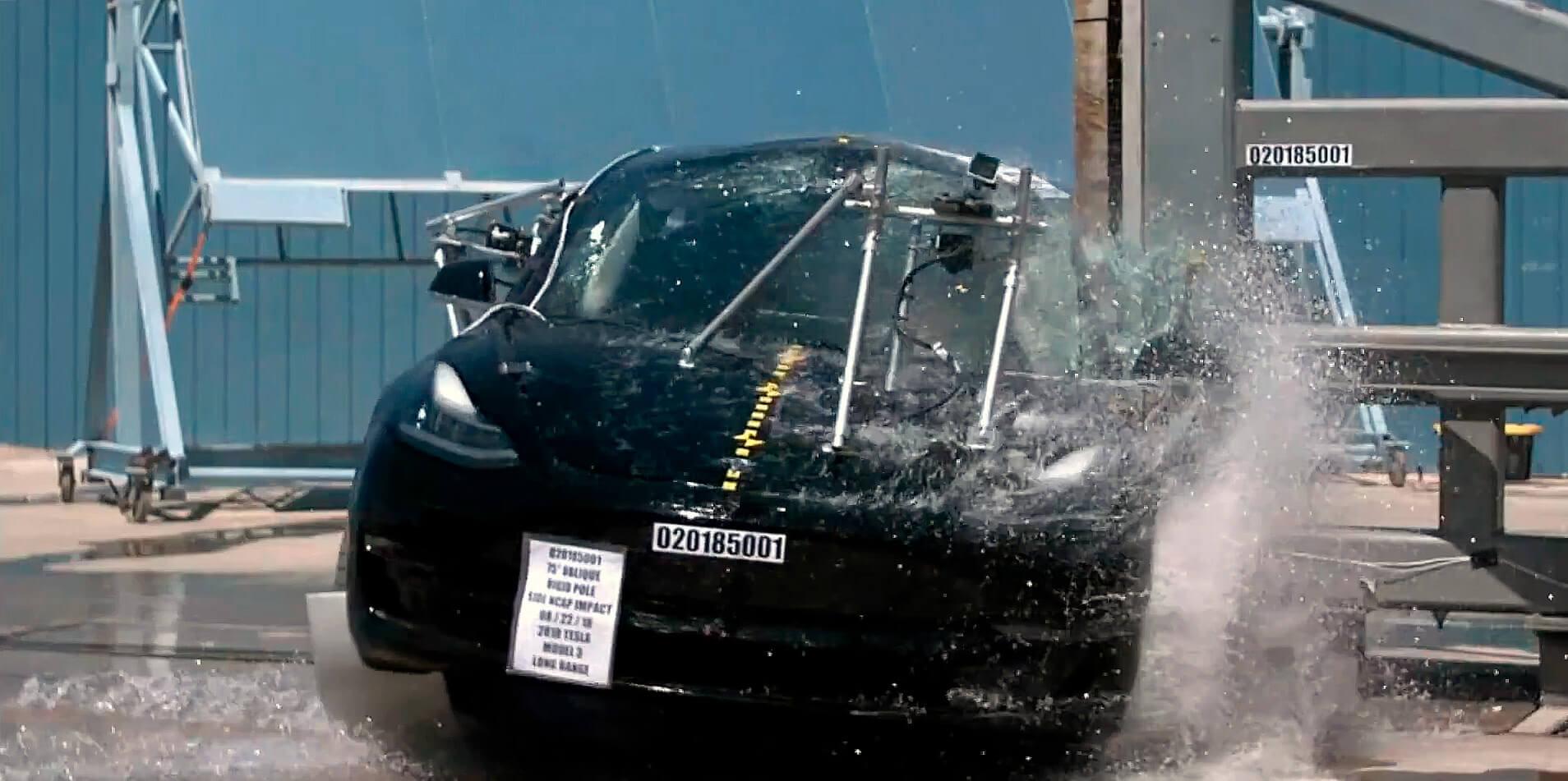 Боковой краш-тест Tesla Model 3