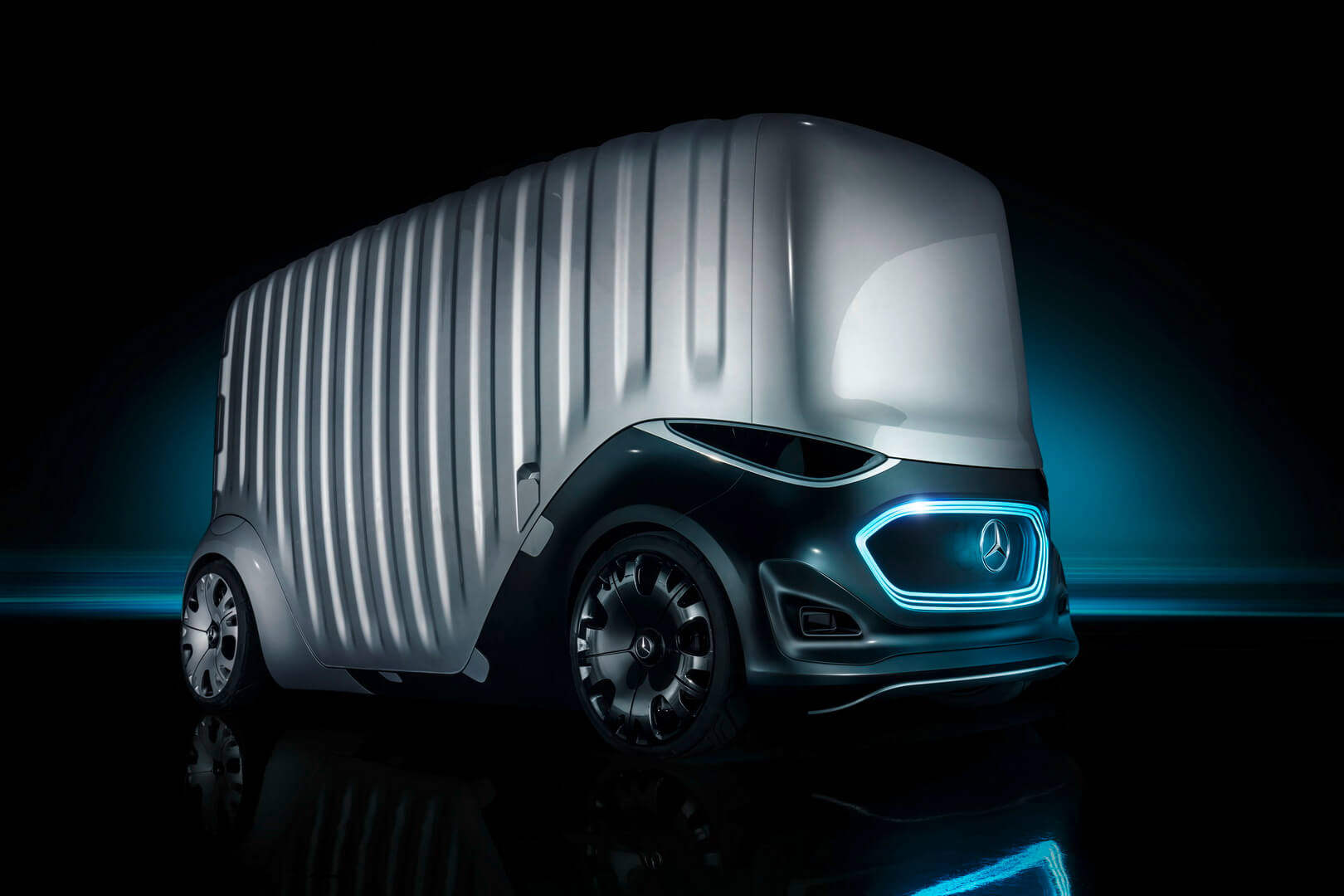 Грузовой вариант Mercedes-Benz Vision URBANETIC