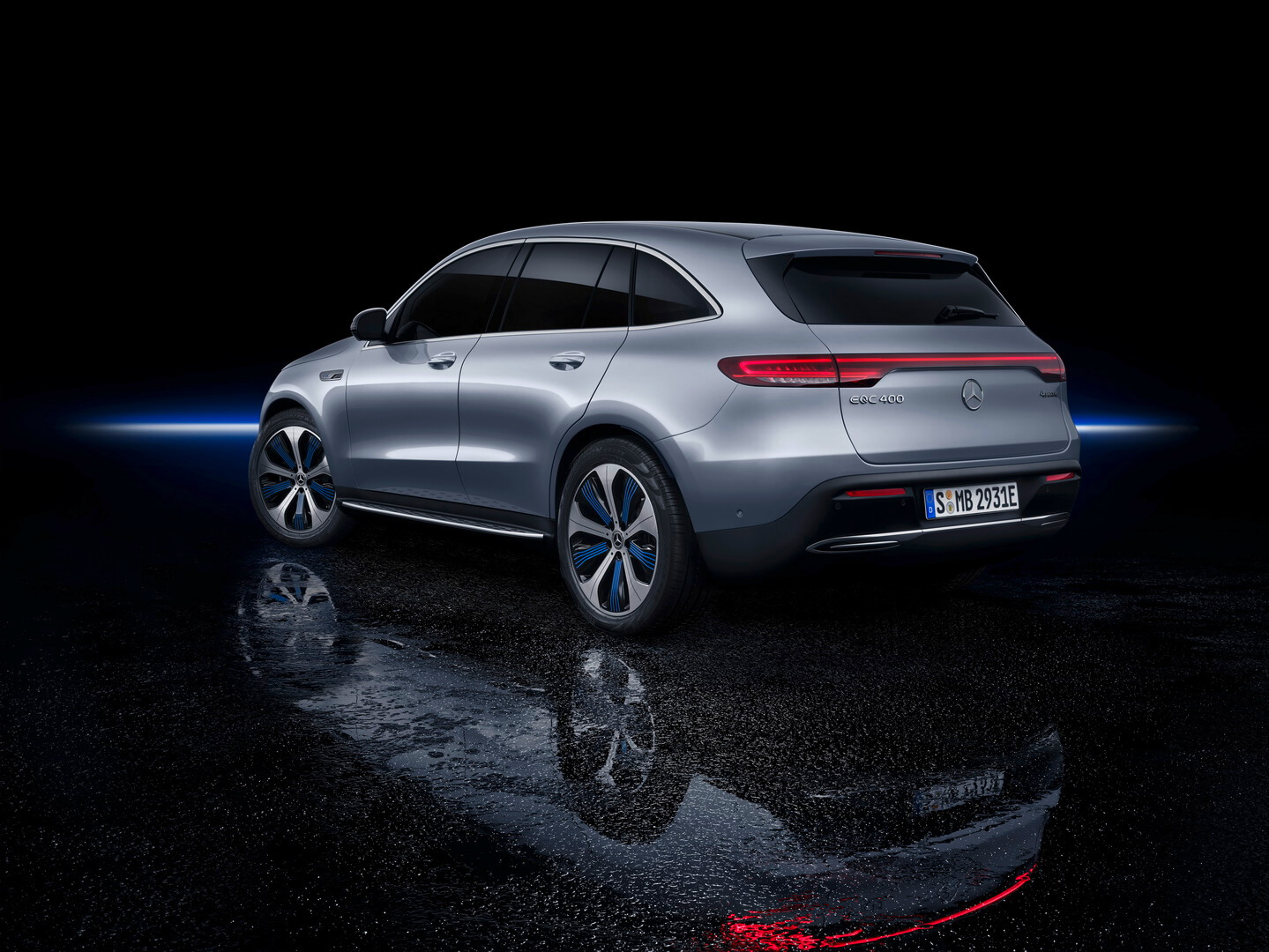 Фотография экоавто Mercedes-Benz EQC - фото 14