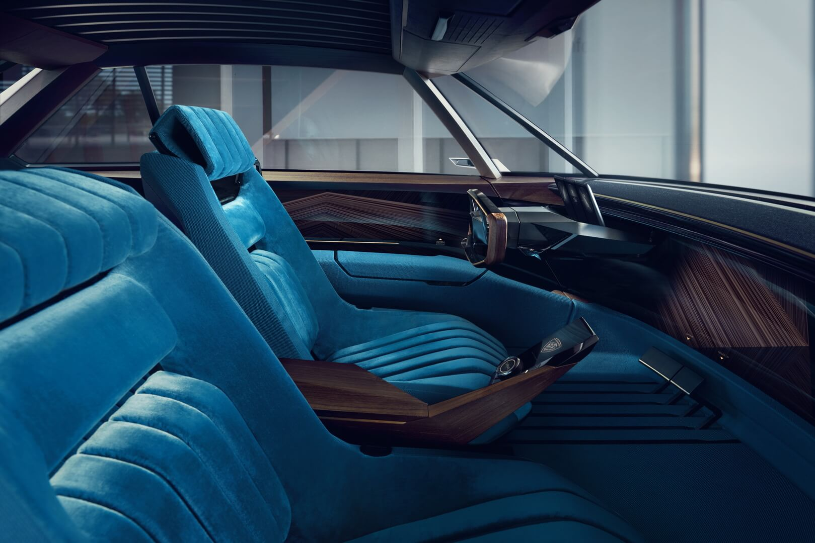 Передние сидения Peugeot e-Legend