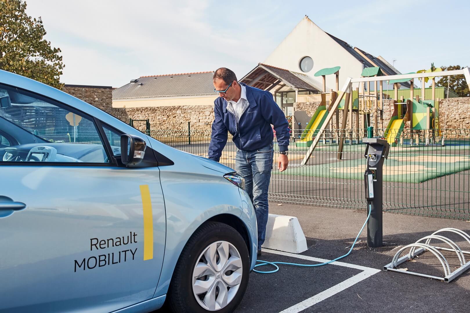 Renault ZOE на зарядке