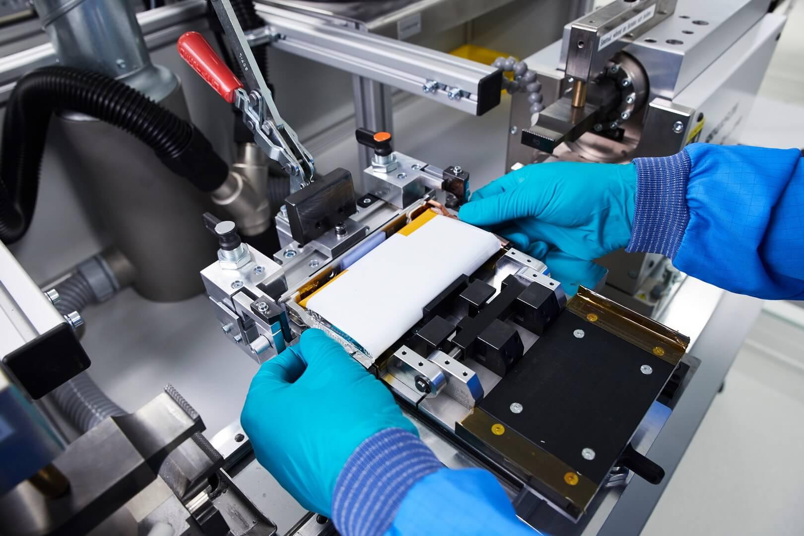 BMW стремится создать замкнутый жизненный цикл батарей электромобилей