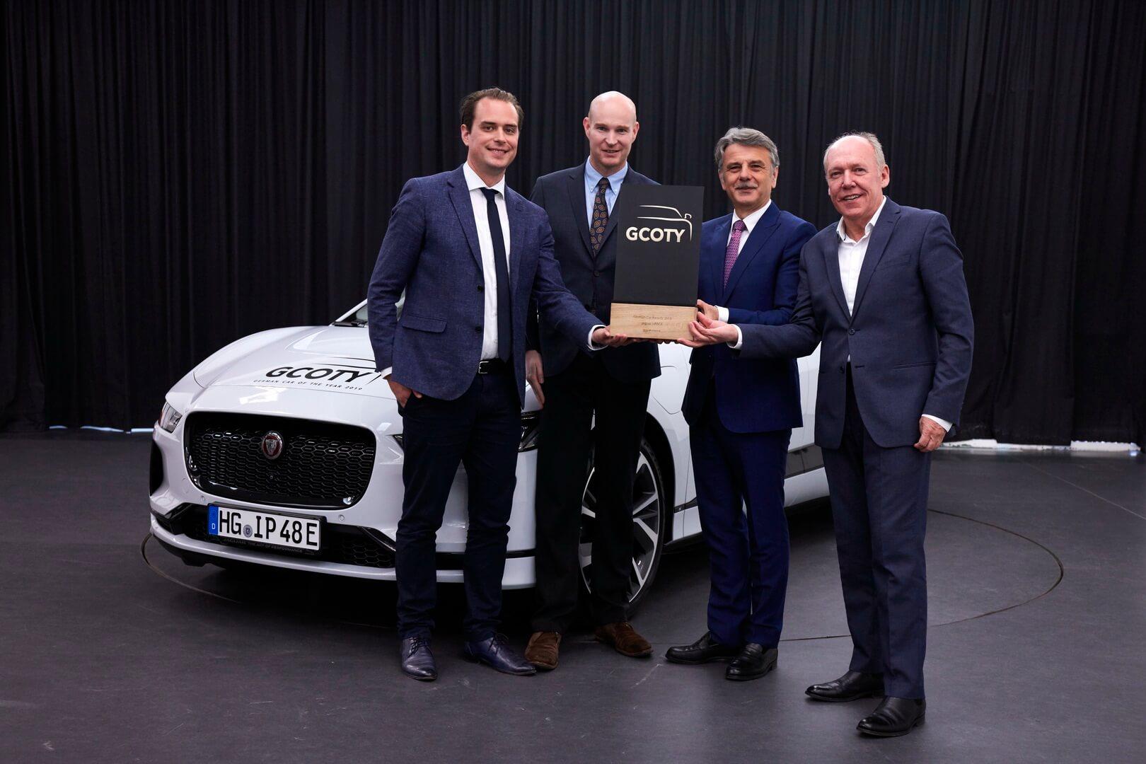 Jaguar I-PACE выиграл премию «Автомобиль года вГермании 2019»