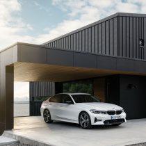 Фотография экоавто BMW 330e 2019 - фото 38