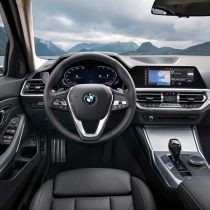Фотография экоавто BMW 330e 2019 - фото 55