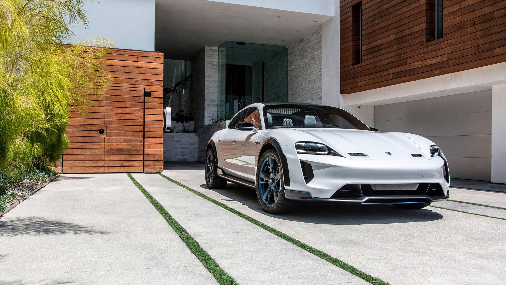 Концепт Porsche Taycan Cross Turismo