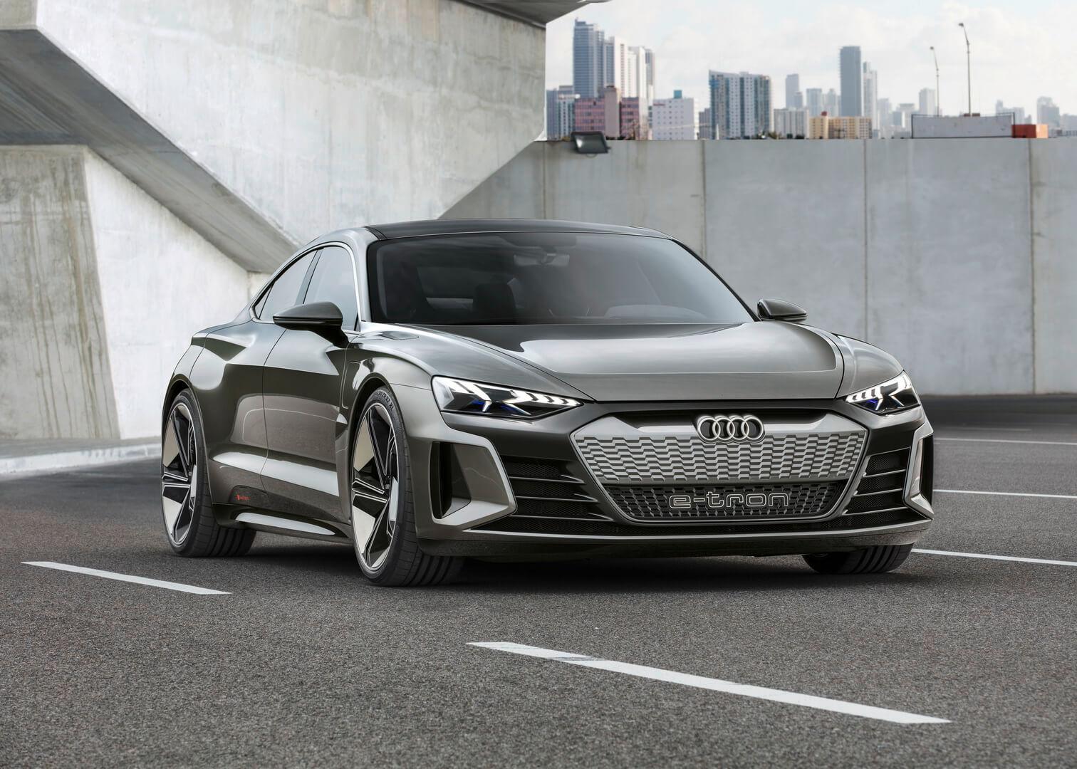 Электрический автомобиль Audi e-tron GT