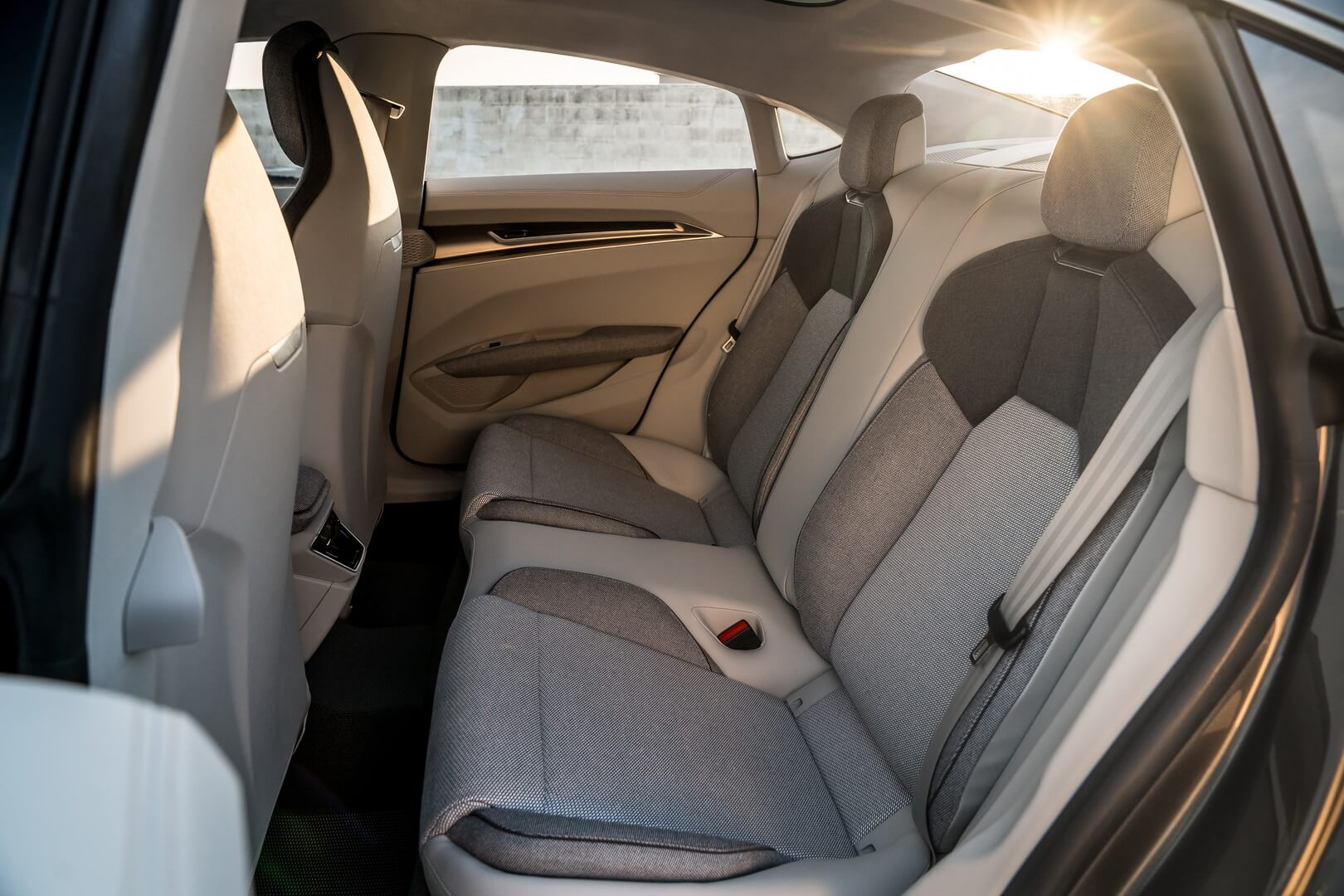 Задний ряд сидений в Audi e-tron GT