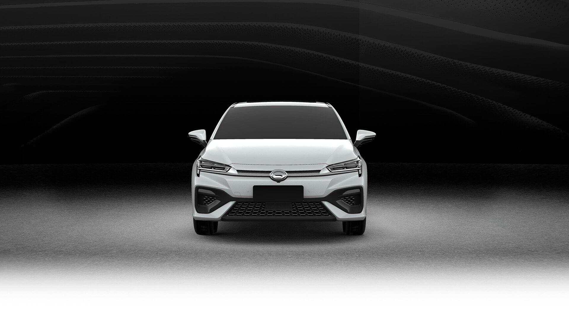 Электрический седан GAC Aion S - вид спереди