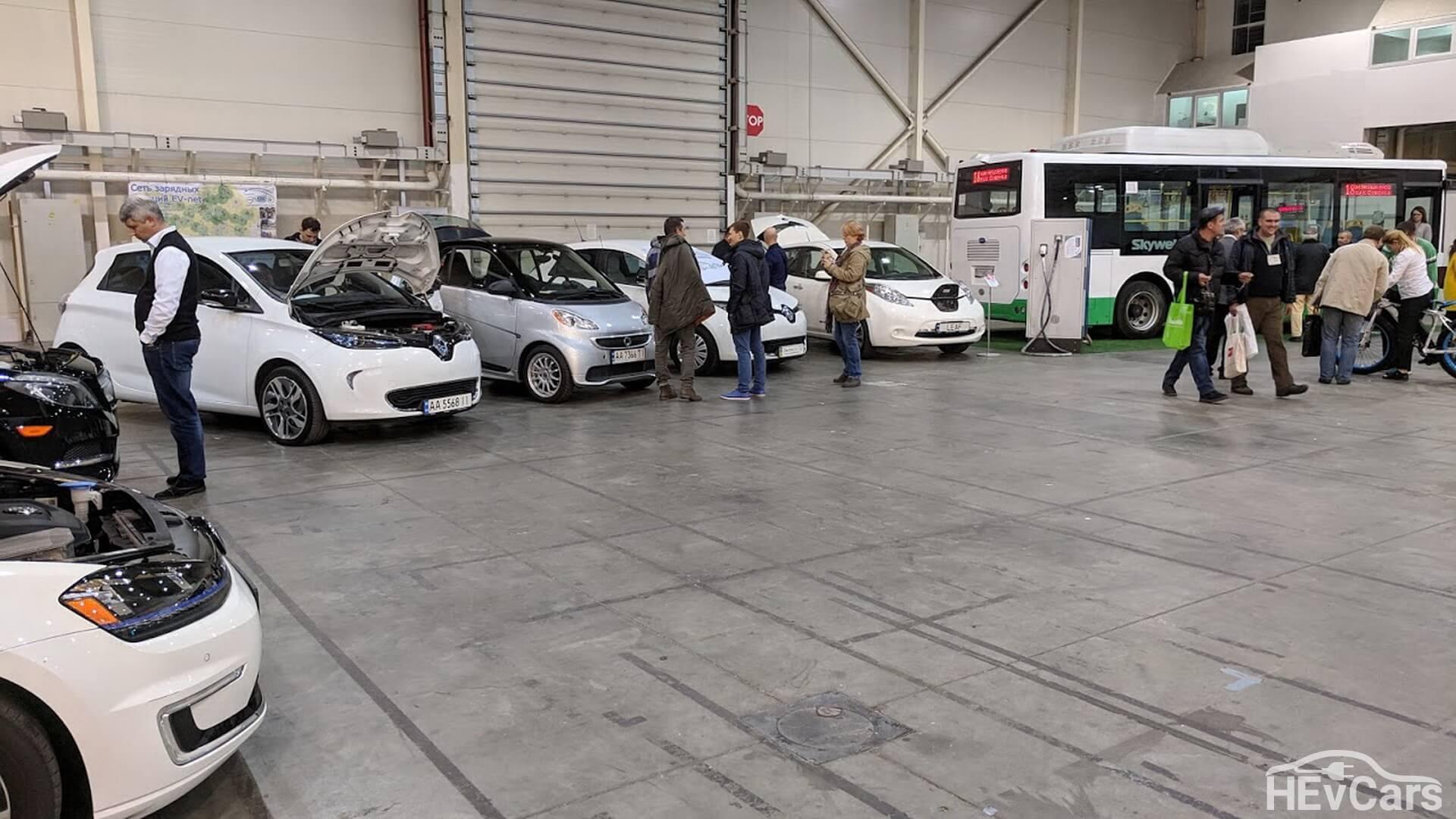 Экспозиция электротранспорта на выставке «Экология предприятия 2018»