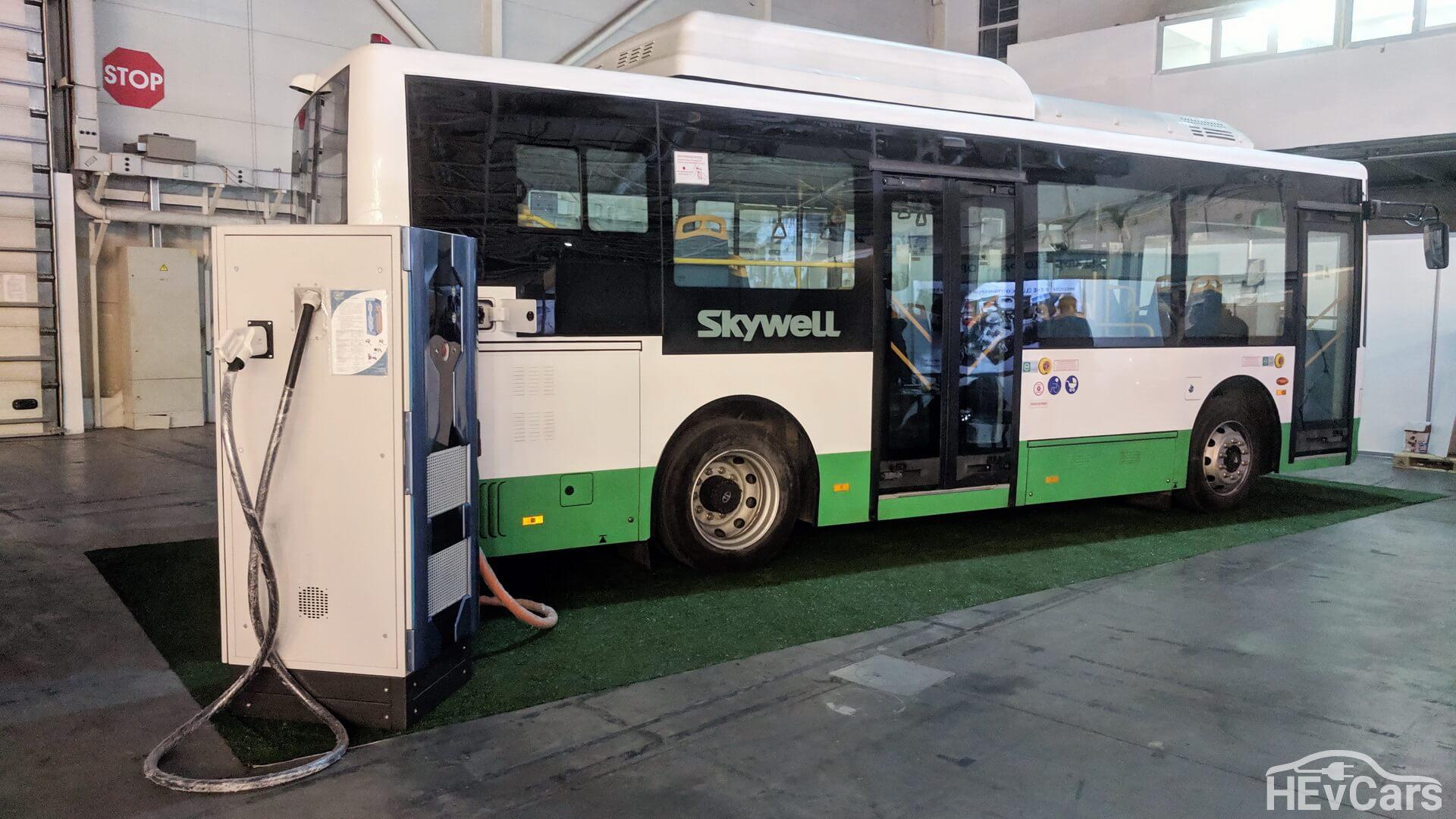 8,5 метровый электроавтобус Skywell на выставке электротранспорта в МВЦ