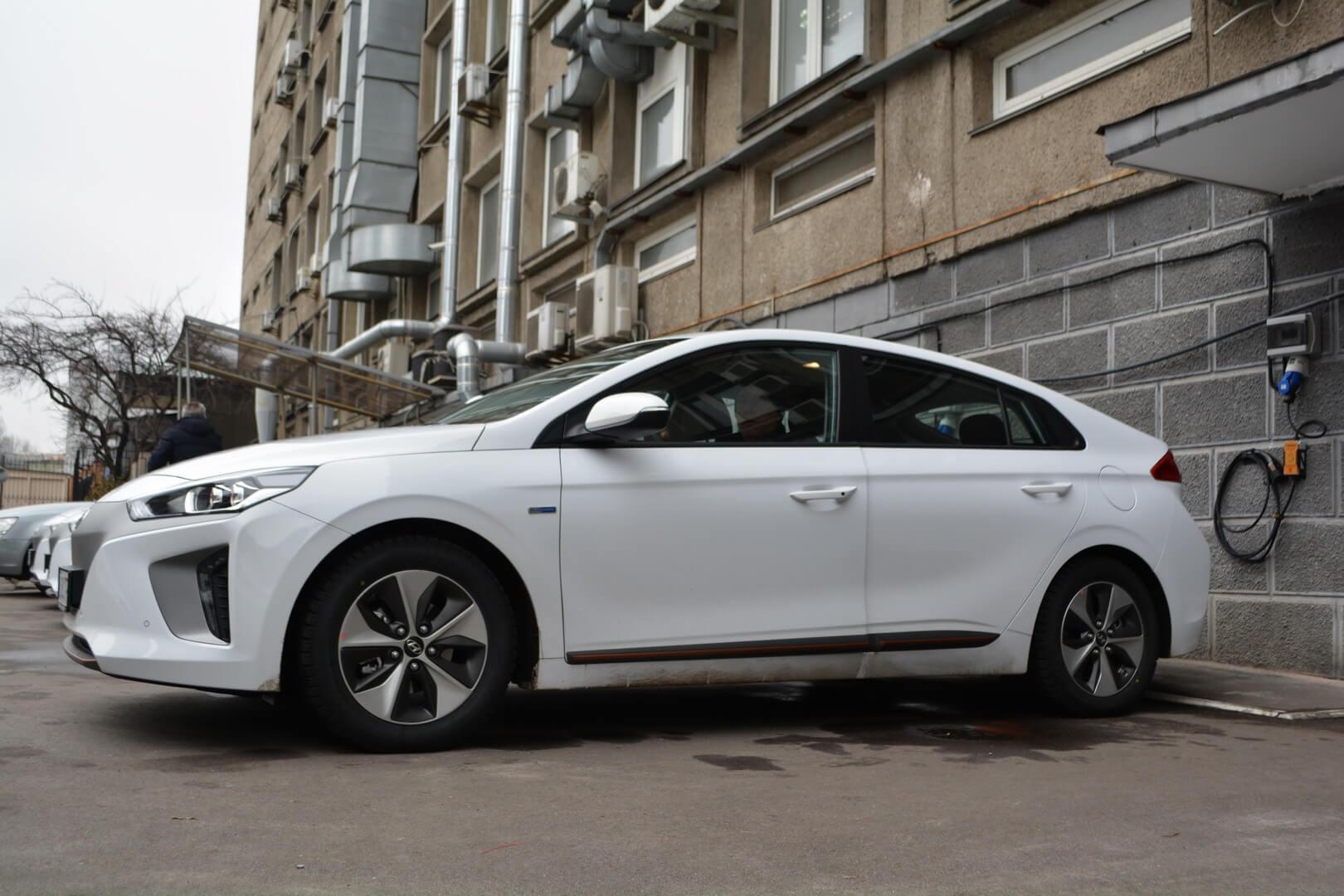 ГП «Энергорынок» пересаживается на электромобили Hyundai Ioniq Electric