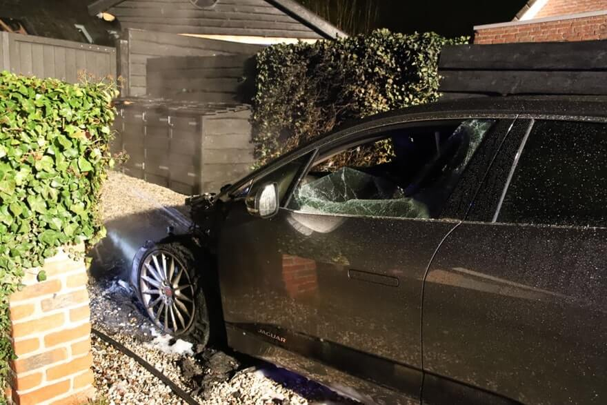 Напарковке вНидерландах сгорел Jaguar I-Pace