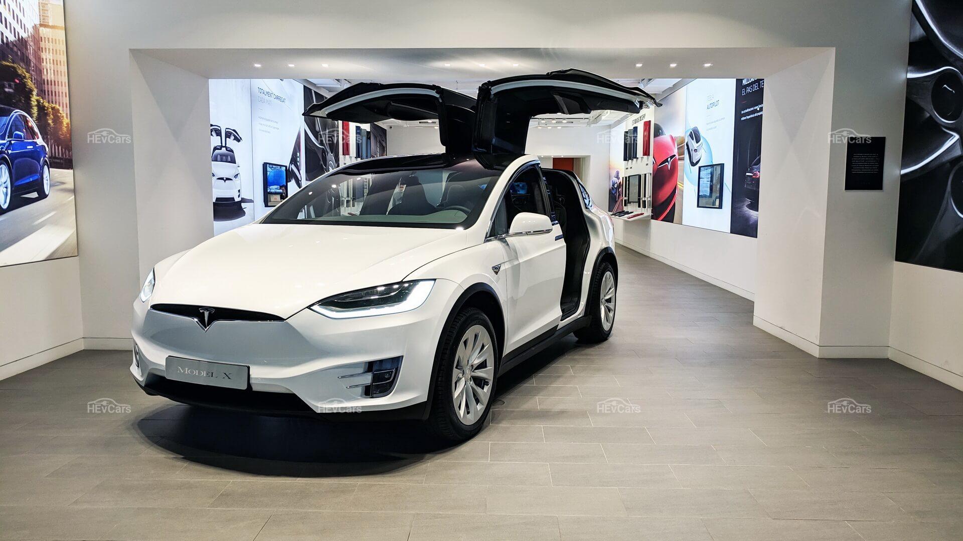 Tesla Store в Испании