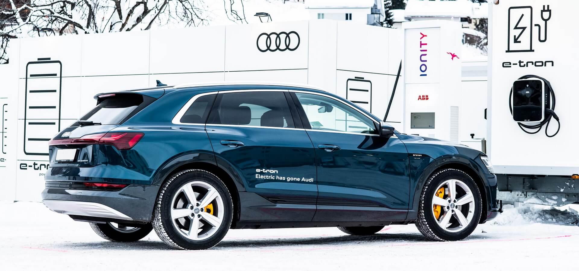 Электромобиль Audi e-tron quattro