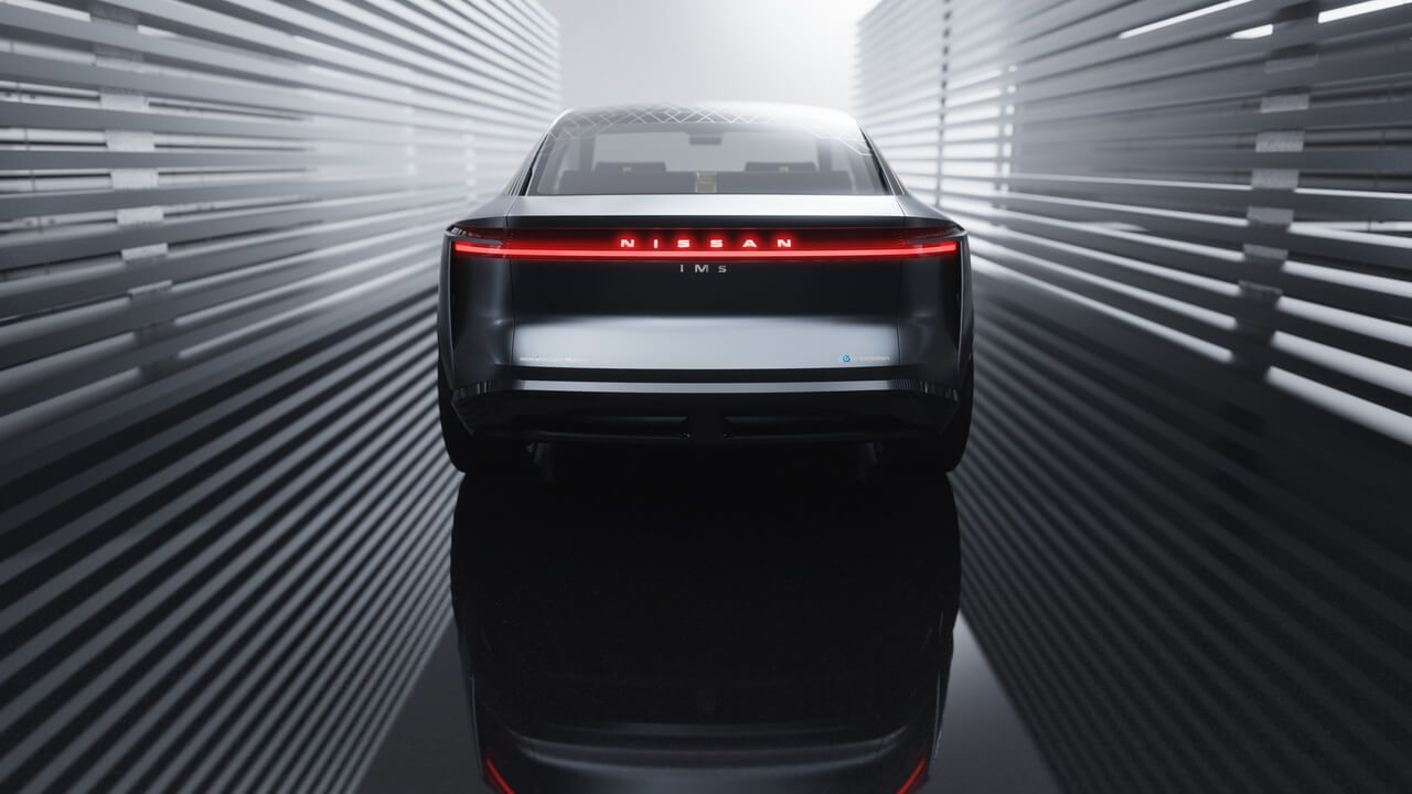 Концепт электрического спортивного седана Nissan IMs - вид сзади