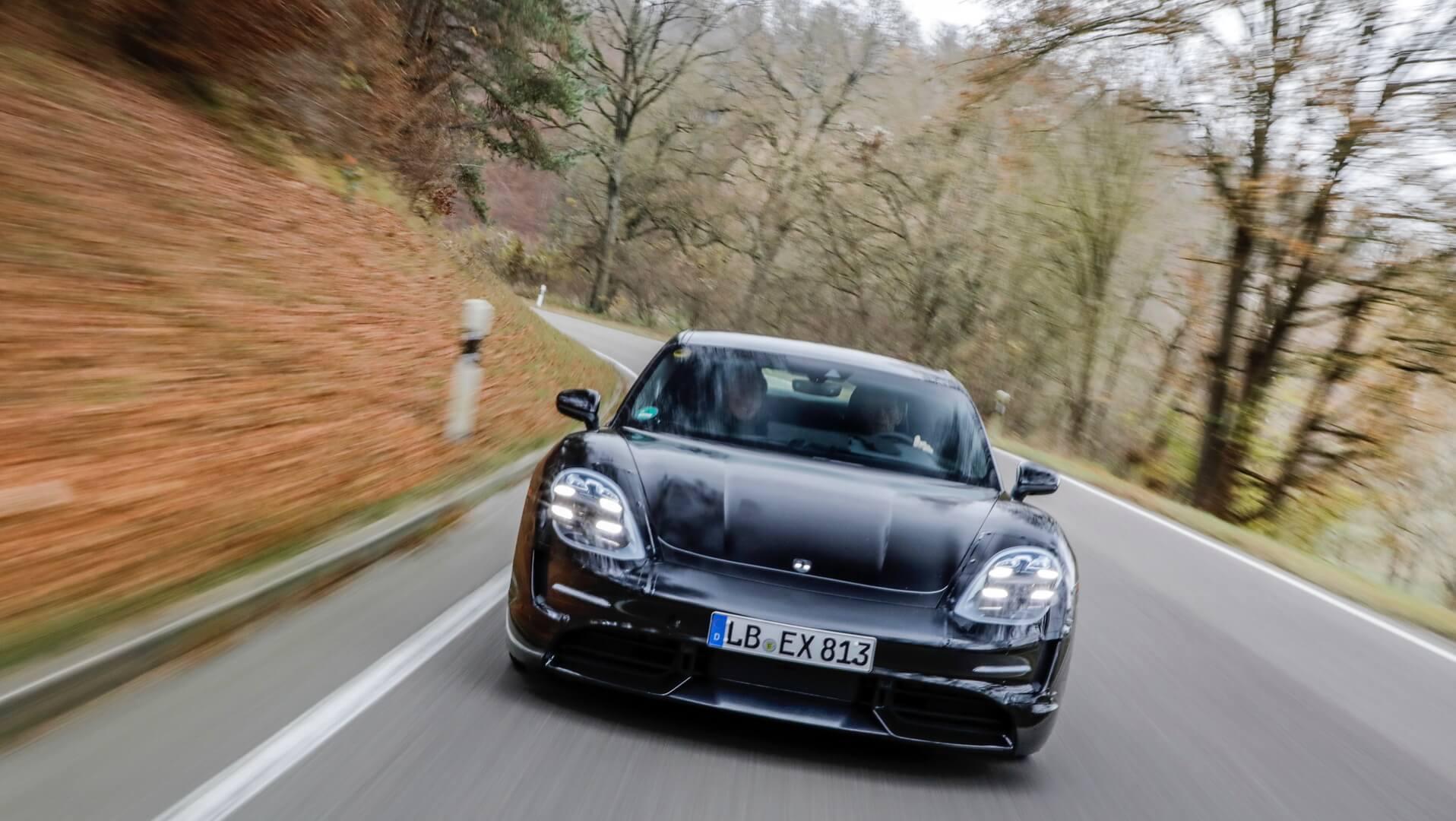 Испытания электромобиля Porsche Taycan