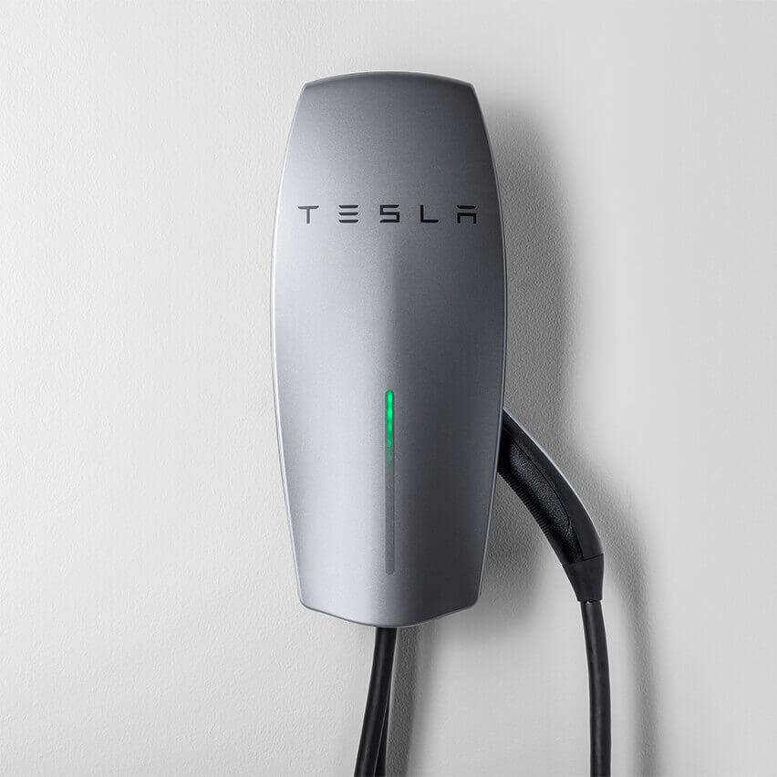 Tesla выпустила новую настенную зарядку сразъемом NEMA 14-50