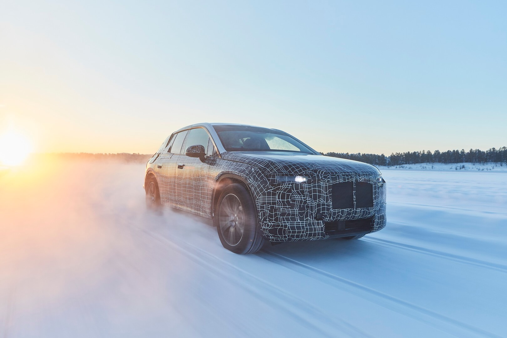 Тестовый прототип BMW iNEXT проходит зимние испытания