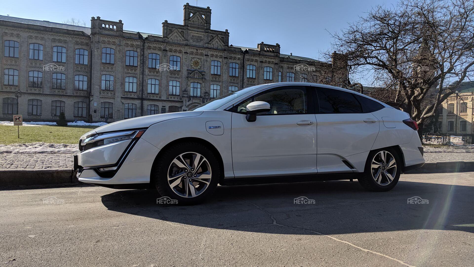 Плагин-гибрид Honda Clarity