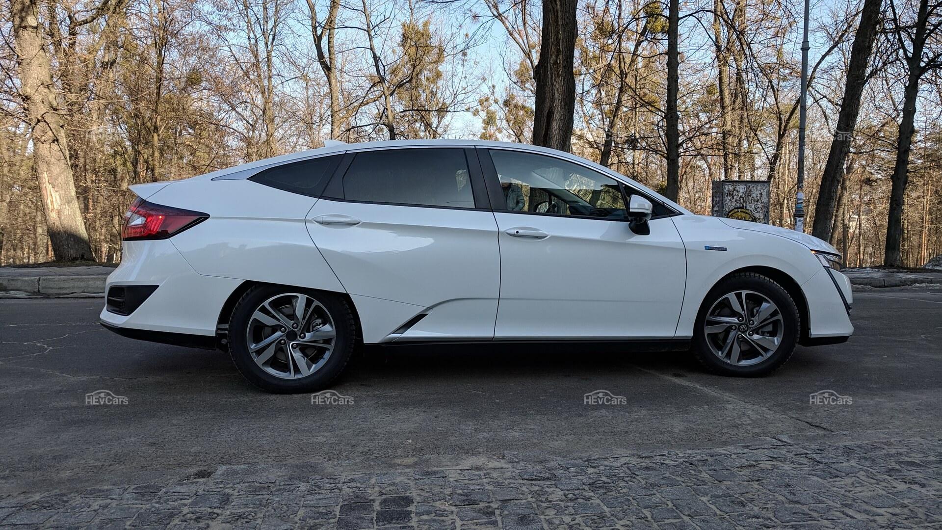 Дизайн Honda Clarity PHEV