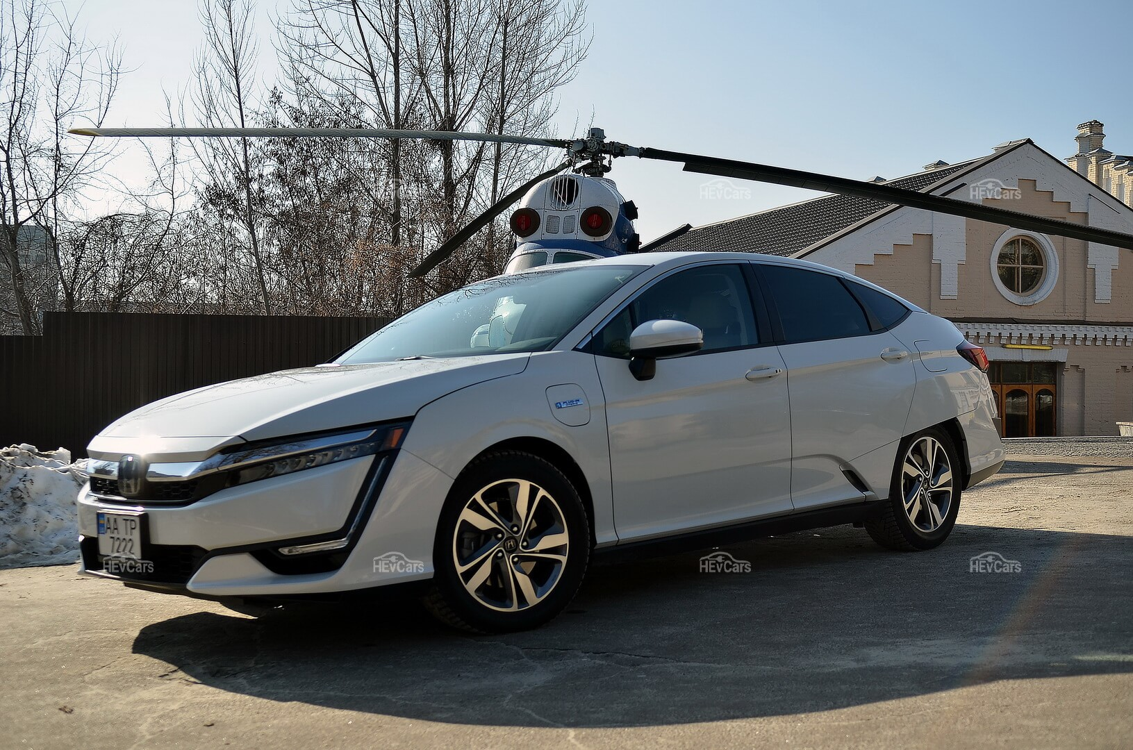 Плагин-гибрид Honda Clarity PHEV