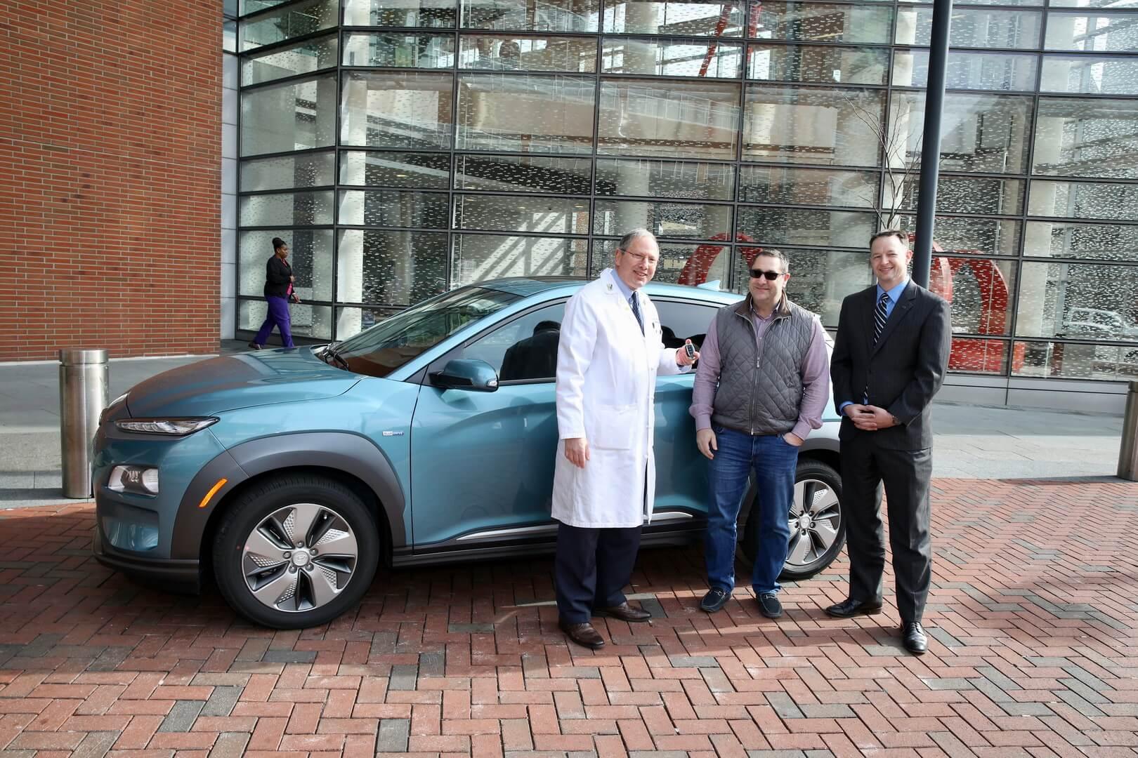 Первый Hyundai Kona Electric в США был доставлен детскому онкологу